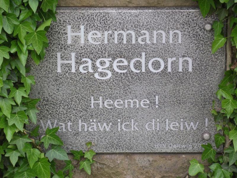 Gedenktafel am Hagedornstein, Reuenberg/Grandstr.